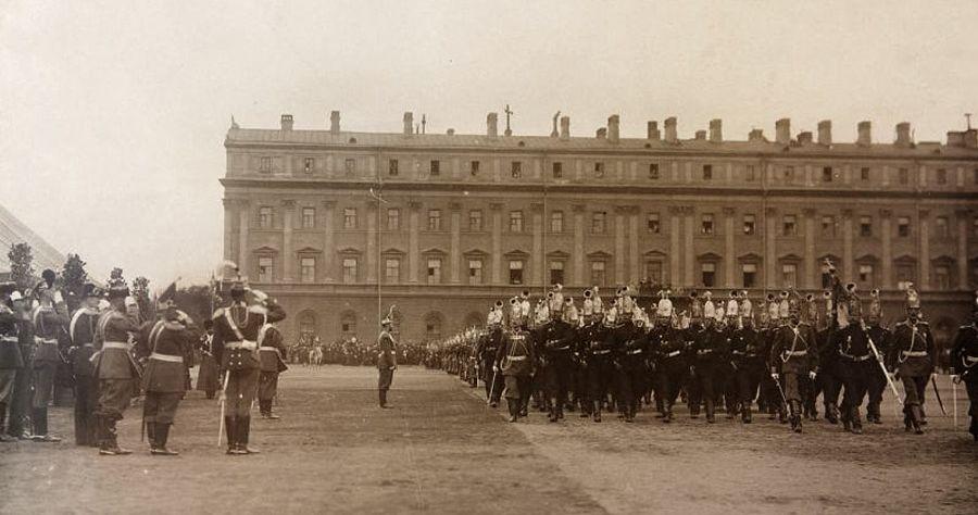 Церемониальный марш чинов Лейб-гвардии Павловского полка перед Государем Императором